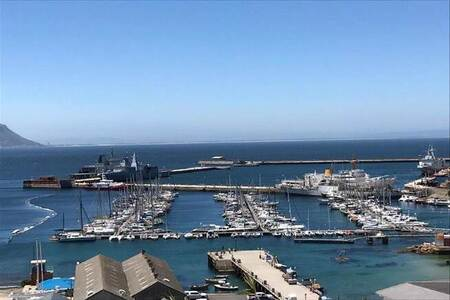 2 Bed Apartment in Simons Town