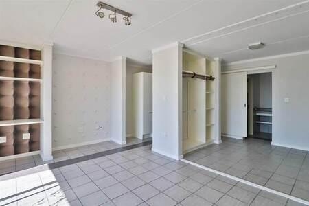 Studio apartment in Dainfern