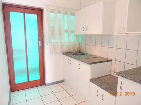 Bachelor apartment in Northcliff
