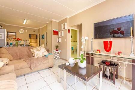 2 Bed Apartment in Krugersdorp Central