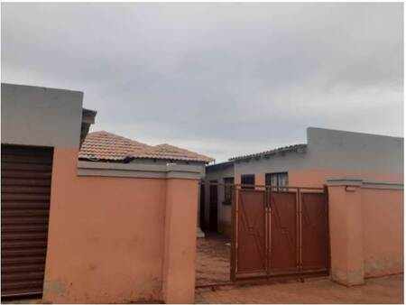 3 Bed House in Mapleton