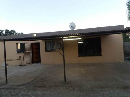 2 Bed Flat in Riversdale