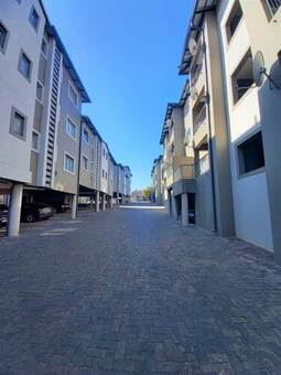 2 Bed Apartment in Ferndale