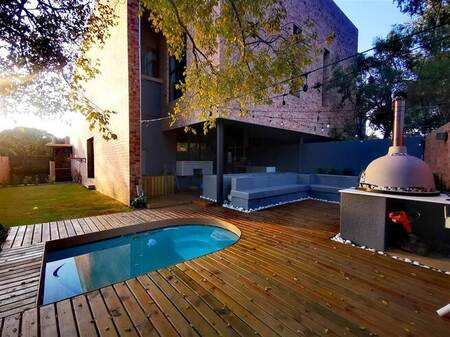 4 Bed House in Alphen Park