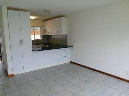 1 Bed Flat in Strand Central
