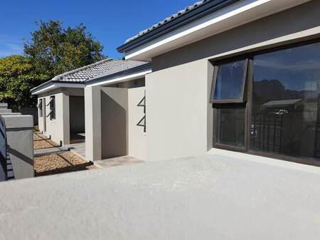 2 Bed House in Paarl East