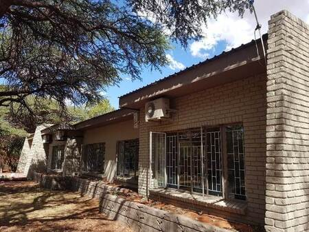 6 Bed House in Kathu