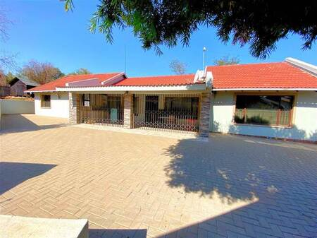 4 Bed House in Wilgeheuwel