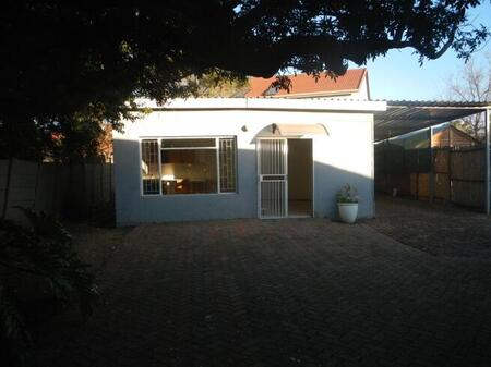 House Rental Monthly in Queenswood