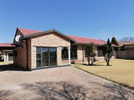3 Bed House in Sharon Park