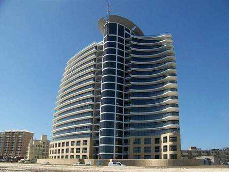 3 Bed Apartment in Strand South
