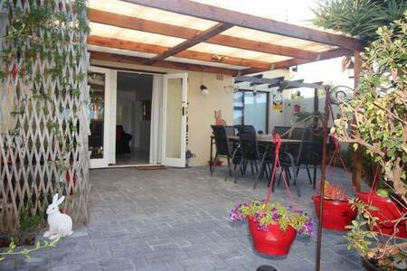 2 Bed House in Helena Heights
