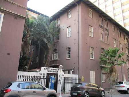 Durban Central - Bachelor Flat - with Kitchen & Bathroom