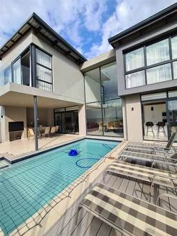 4 Bed House in Eye of Africa