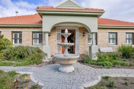 5 Bed House in Helena Heights
