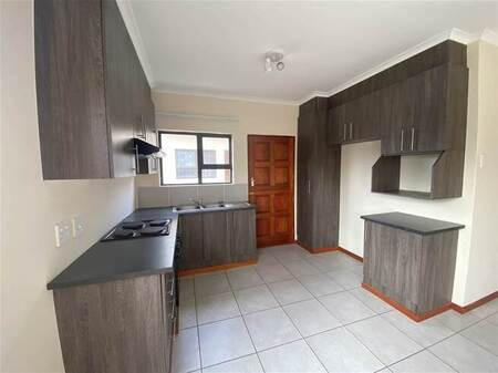3 Bed House in Cove Rock