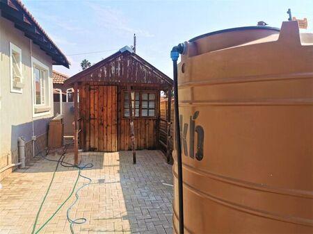3 Bedroom Townhouse For Sale in Bendor