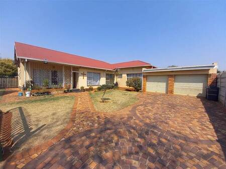 3 Bed House in Dalview