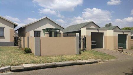2 Bedroom House To Rent In Tasbet Park
