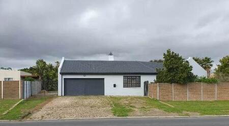 4 Bed House in Goedemoed