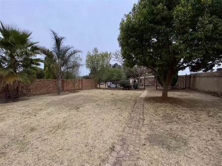 1 Bed House in Mnandi Ah