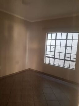 2 Bedroom Apartment / Flat To Rent in Hoeveld Park