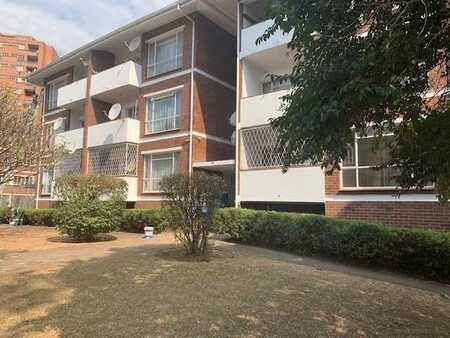 Lovely Flat Close to all Amenities
