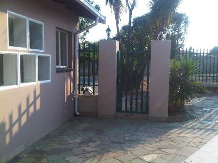 Spacious cottage to rent in Halfway Gardens, Midrand
