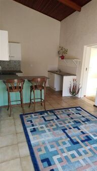 Spacious, light one bedroom cottage in Malanshof