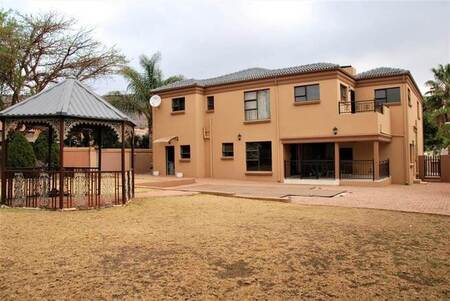 4 Bed House in Pinehaven