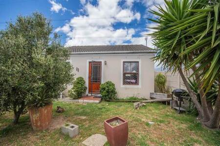 2 Bed House in Strand Central