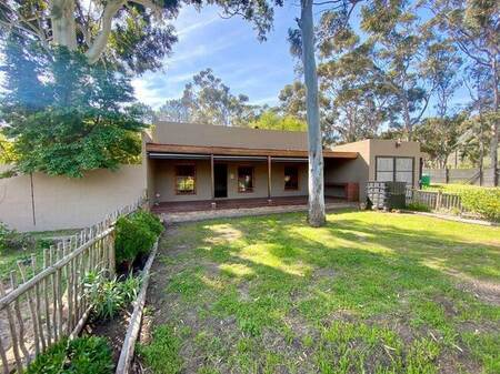 2 Bed House in Sir Lowrys and surrounds