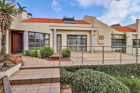 3 Bed House in Bedfordview