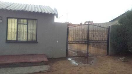 1 Bed House in Tembisa