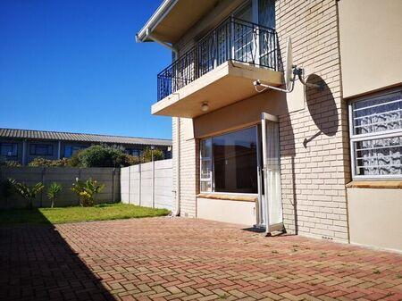 2 Bedroom Apartment / Flat To Rent in Tijgerhof