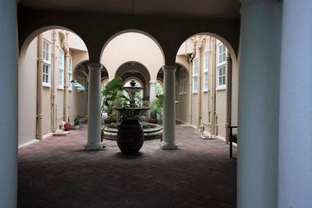 1 Bedroom Apartment / Flat To Rent in Cape Town City Centre