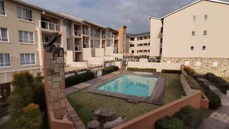 3 Bed Apartment in Beacon Bay