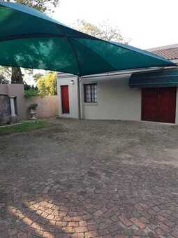 Two Bedroom cottage to let on plot in Benoni Small Farms