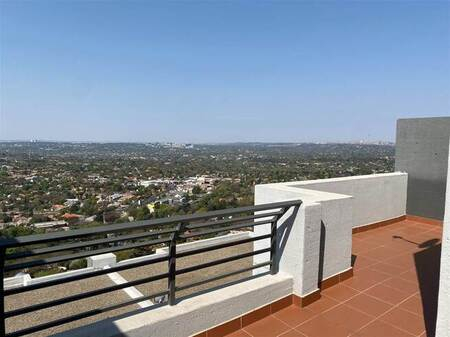 1 Bed Penthouse in Northcliff
