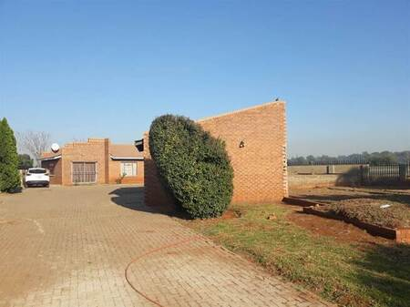 2 Bed House in Meyerton Park