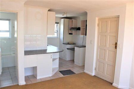 An Amazing 2 Bedroom/1 Bathroom Apartment To Rent In Uitzicht