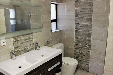Available Now!! 3 Bedroom Apartment/Flat to Rent in Strand North