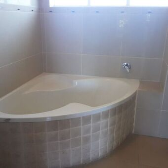 1 Bedroom Apartment / Flat To Rent in Illovo