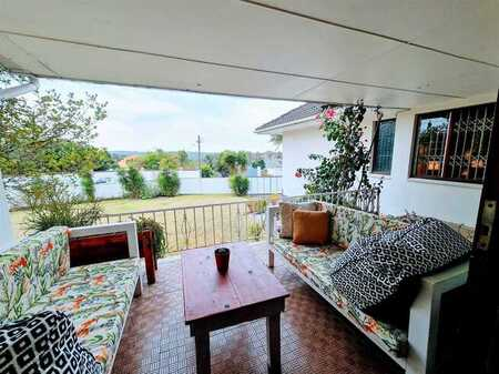 Large Family Home in Beacon Bay