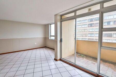 2 Bedroom Apartment / Flat For Sale in Doonside