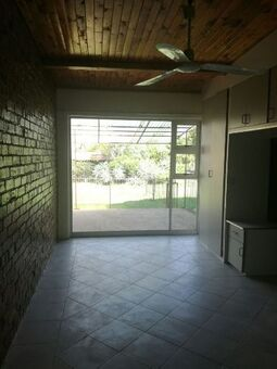 very neat 1 Bedroom flat with lovely garden
