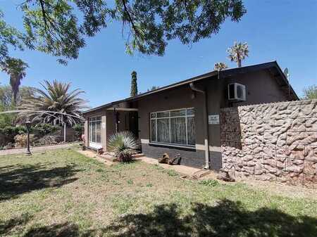 2 Bedroom house in a quiet suburb