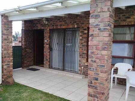 2 Bed Townhouse in C Place