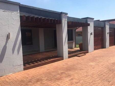3 Bed House in Mackenzieville