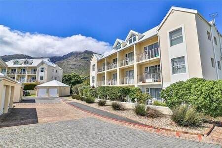 2 Bed Apartment in Hout Bay and surrounds